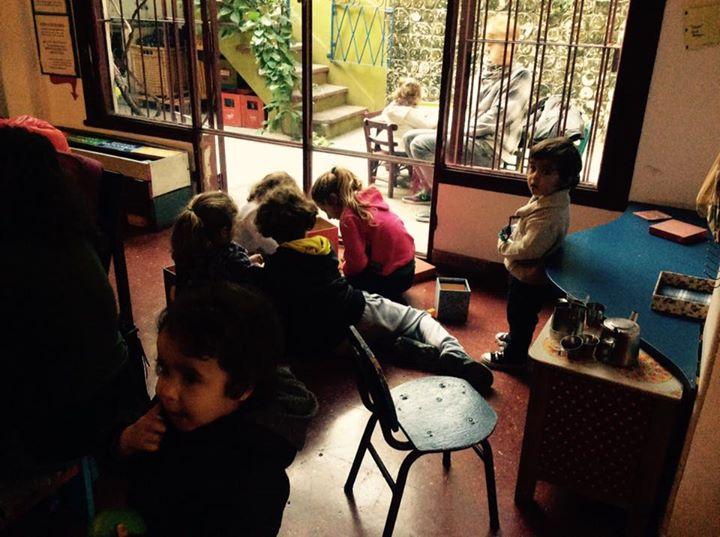 RIVARA Y LOS COQUETOS + TRES CHISPAS canciones al atardecer en Oihoy 13 - OiHoy Casa Abierta